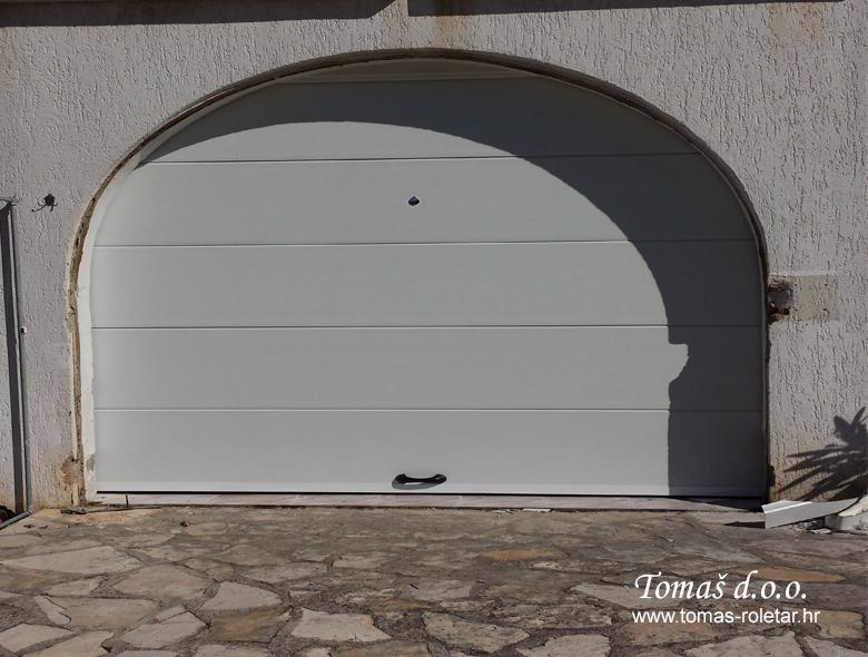 segmentna-vrata-tomas-012-opt