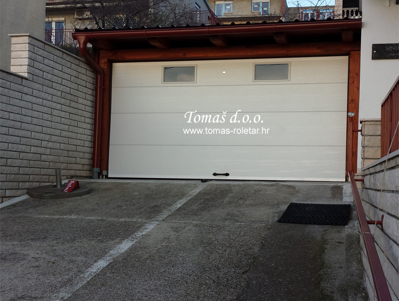 segmentna-vrata-tomas-006-opt
