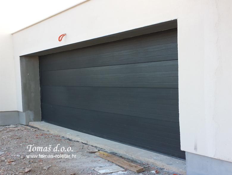 segmentna-vrata-tomas-008-opt