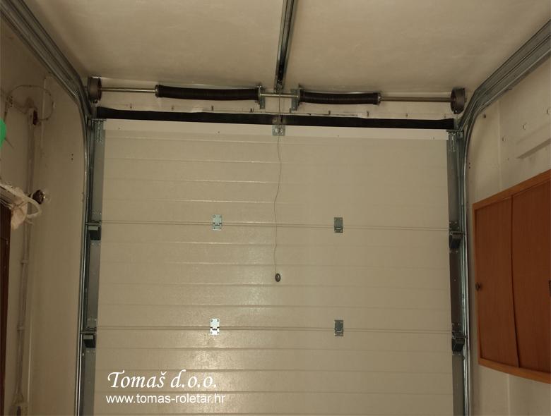 segmentna-vrata-tomas-011-opt